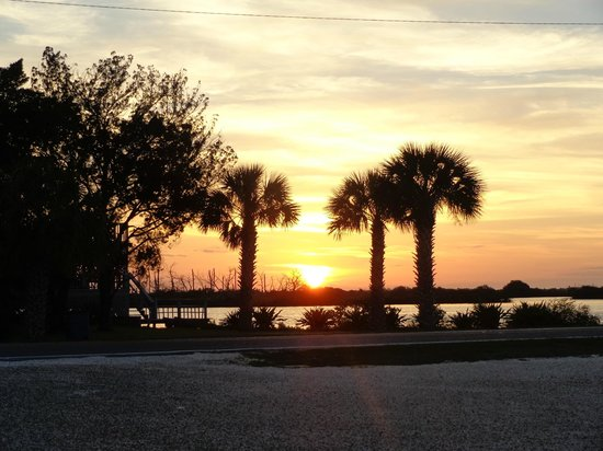 Plantation on Crystal River: Sunset near Plantation at Peck's Old Port Cove