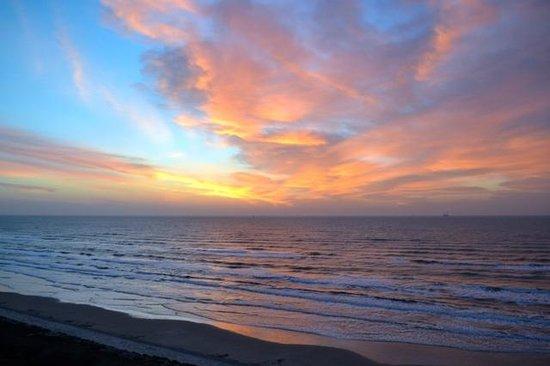 Sandpiper Condominiums : Morning Sunrise from Balcony