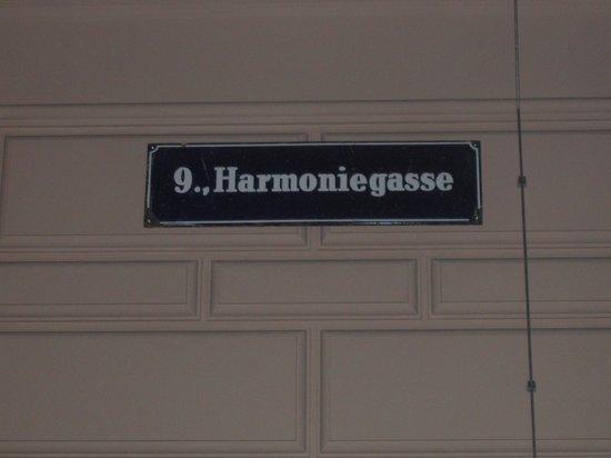 BEST WESTERN PREMIER Harmonie Vienna : la rue