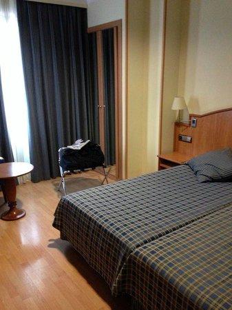 Hotel II Castillas: Camera