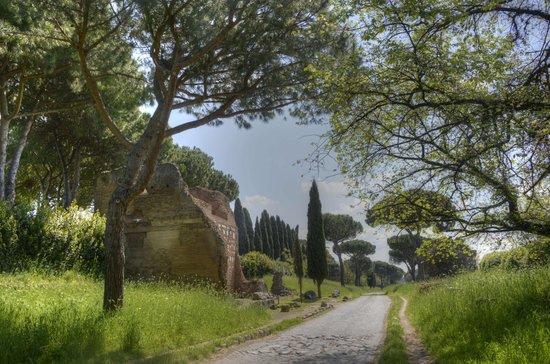 Parco Regionale dell'Appia Antica: via Appia Antica