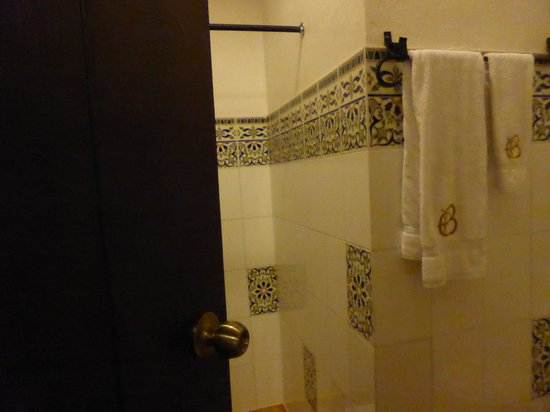 El Beaterio Casa Museo : The bathroom, beautiful, simple decor
