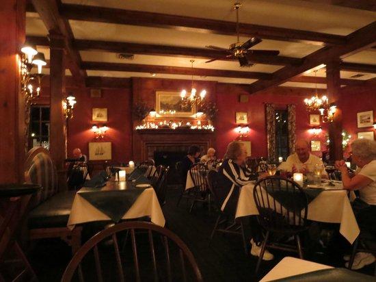 Clark's Inn and Restaurant: Clarks Warm Comfortable Room