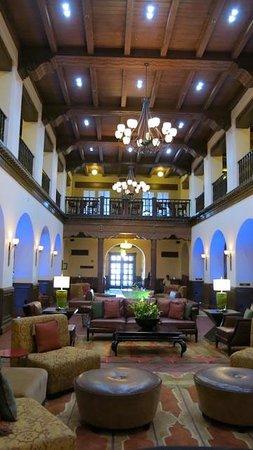 Hotel Andaluz: Lobby