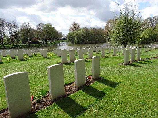 Ramparts Cemetery : ramparts cemetary