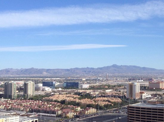 The Palazzo Resort Hotel Casino : Another view from 833 floor 26