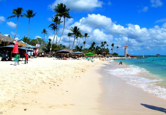 Public beach of Dominicus at Bayahibe: Dominicano beach