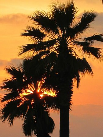 Louis Imperial Beach : Sunset in Paphos