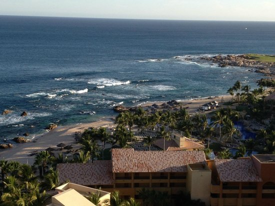 Grand Fiesta Americana Los Cabos All Inclusive Golf & Spa: View was spectacular and this pic doesnt do it justice
