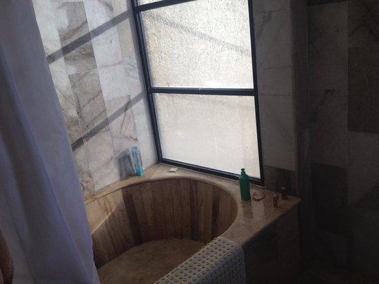 El Cid El Moro Beach Hotel: El Moro bathroom