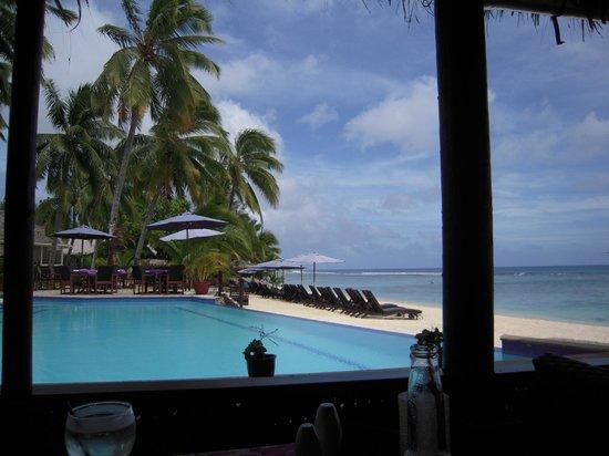Manuia Beach Resort: Pool area