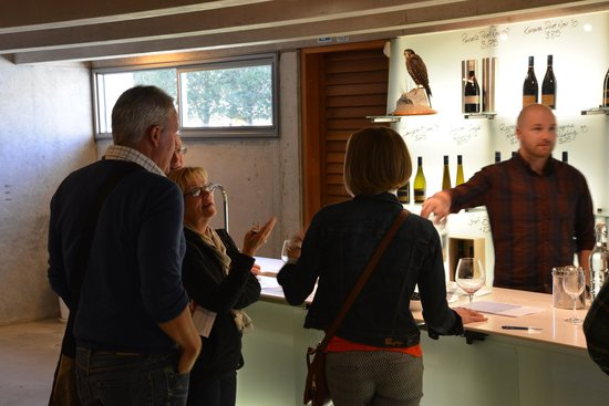 Queenstown Tours : Wine Tasting at Peregrine Winery