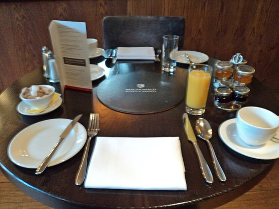 Townhouse Hotel Manchester : Breakfast Layout