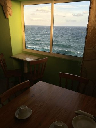 Casa Malecón Habana: Breakfast with a view