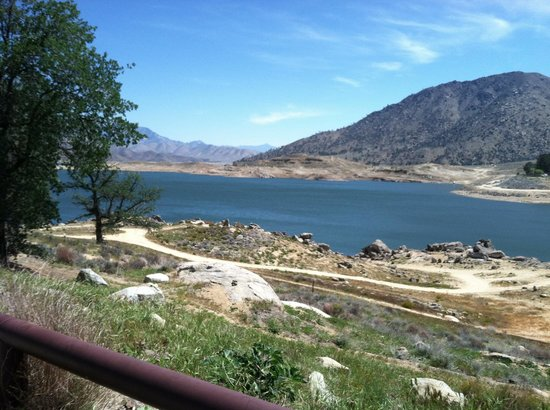 Lake Isabella: Water is low but it is still beautiful