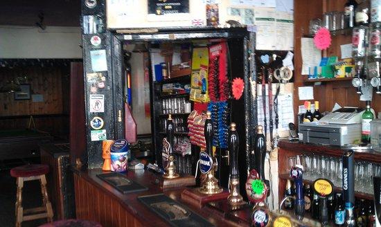 Nowhere Inn: Well stocked bar