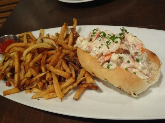 Rodney's Oyster House: The Lobster Roll