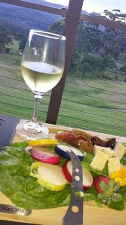 Blue Summit Cottages : Our wonderful cheese platter sitting on the deck