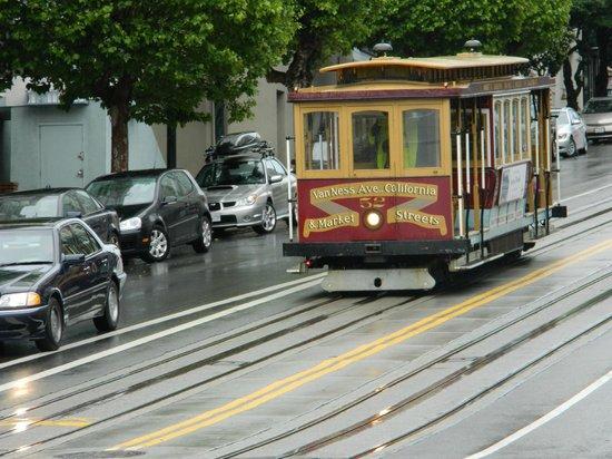 Holiday Inn San Francisco Golden Gateway: The best tram ride - its so much fun