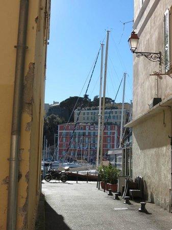 Le vieux port : Bastia vieux port