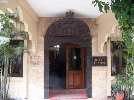 Hotel Thamel: Front Entrance