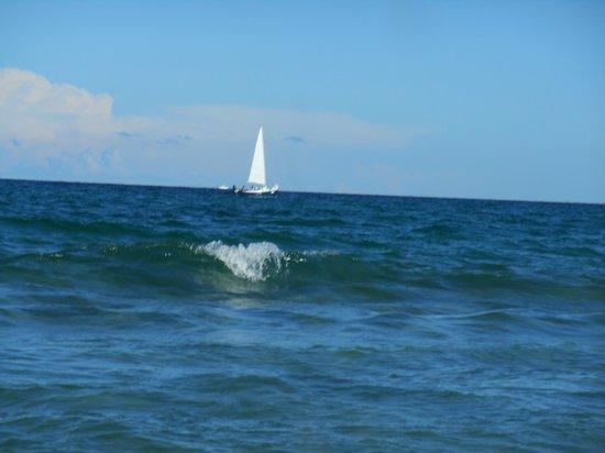 Fort Lauderdale Beach: Pristine waters