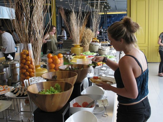 Chatrium Residence Sathon Bangkok: Fruit galore