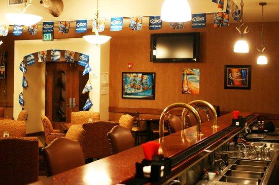 Wildhorse Casino & Hotel: Trophies Lounge