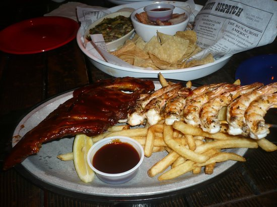 Bubba Gump Shrimp Co. : a table full of food for 2!