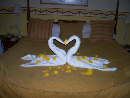 Royalton Hicacos Varadero Resort & Spa: The Bed in Room #2002