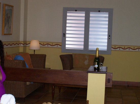 Royalton Hicacos Varadero Resort & Spa: The Sitting Area In Room #2002