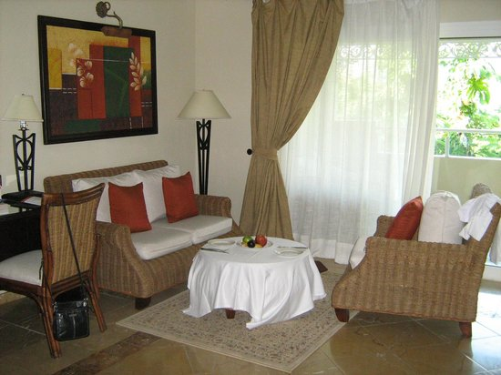 Luxury Bahia Principe Cayo Levantado Don Pablo Collection : Livingroom area