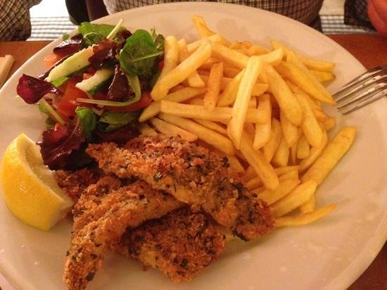 The Hare and Hounds: my friends fish with terrible chips