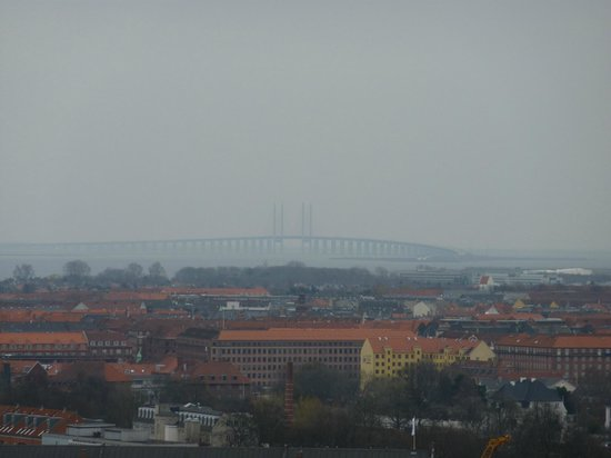 Rathaus Kopenhagen: Oresund Bridge seen from the City Hall