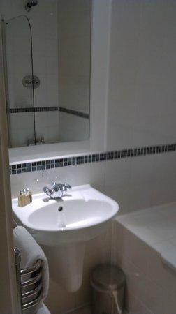 Marlin Apartments - Empire Square : Bathroom