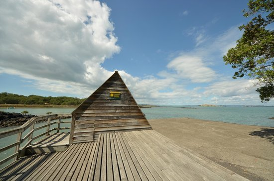 Rangitoto Island : Building on the right hand side of the Wharf