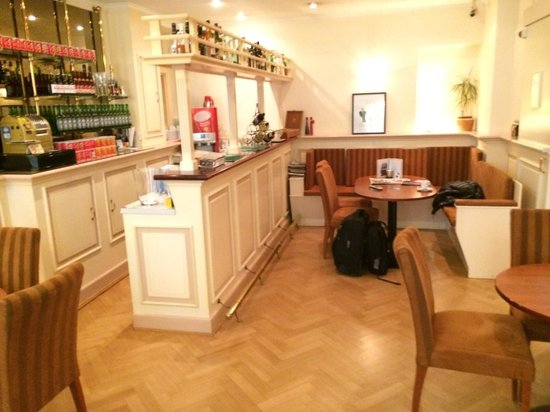Hotel Aalders: Bar on the ground floor