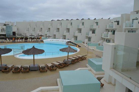 HD Beach Resort: swimming pool