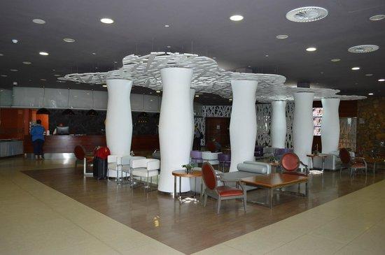 HD Beach Resort: recepcion area