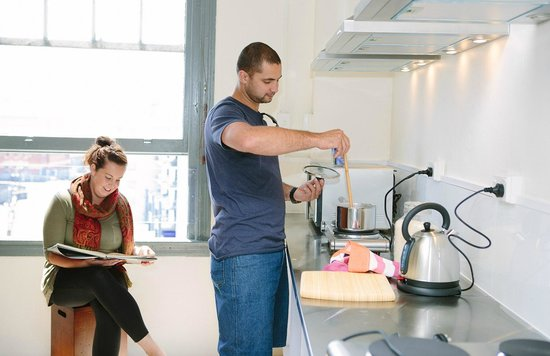 The Station Backpackers: Communal Kitchen