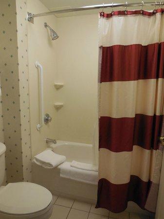 Residence Inn Toronto Markham : bathroom