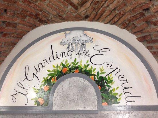 Il Giardino delle Esperidi: Il Nostro Logo...