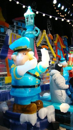 ICE! featuring Frosty the Snowman (Nov. 2013) at Gaylord Opryland