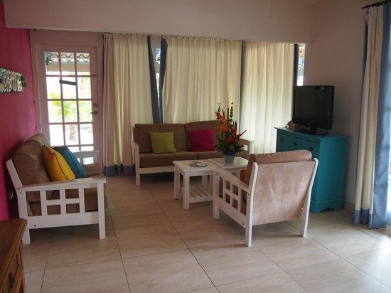 Boardwalk Hotel Aruba: Common area of 2-bedroom Casita
