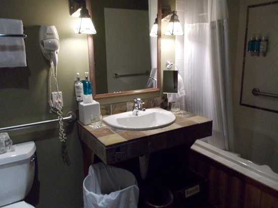 Lakedale Resort at Three Lakes: Bathroom