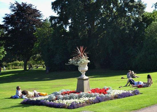 The Botanical Gardens: Botanical Gardens, Sheffield