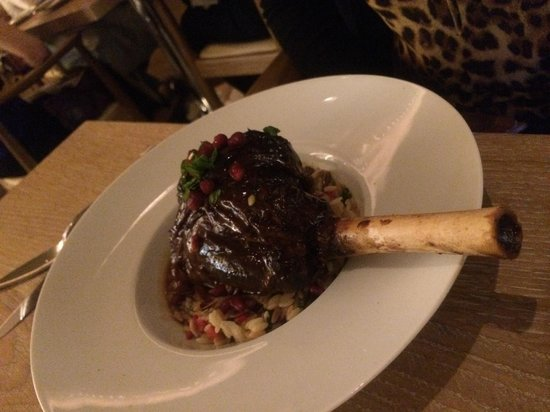 The Langham, Chicago : Lamb shank with pomegranate seeds at Travelle