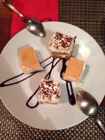 Restaurant Carmen : Tiramisu e tarte de queijo