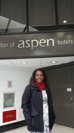 Aspen Towers Hotel : Hotel do lado de fora