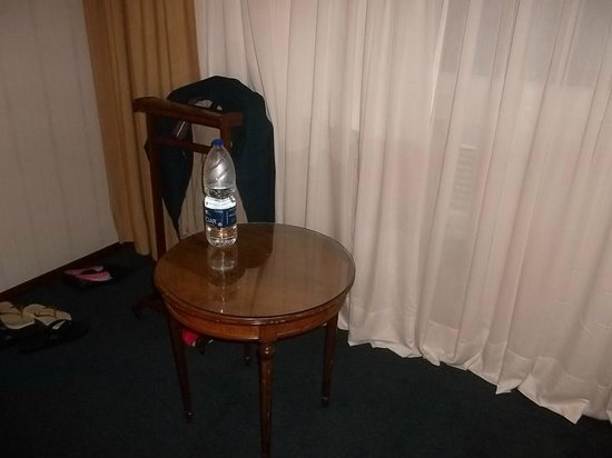 Aspen Towers Hotel: quarto